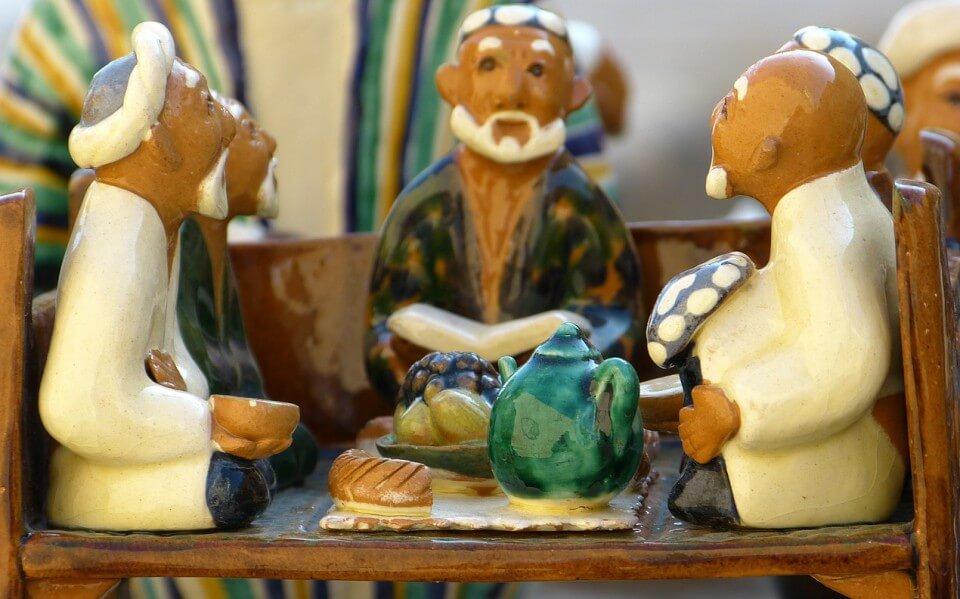 te chai propiedades, Ancianos Tomando te, figuras ceramica, notas naturales