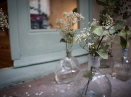 SlowMov Barcelona, Notas naturales, flores, secas, florero cristal, ventana