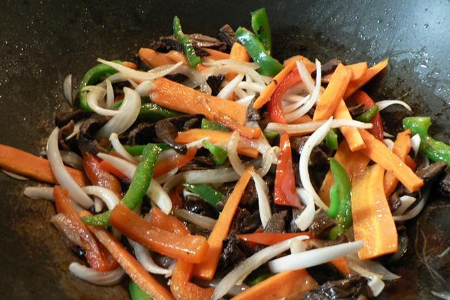 Recetas a base de algas, salteado de verduras, algas, espaguetis de mar, notas naturales