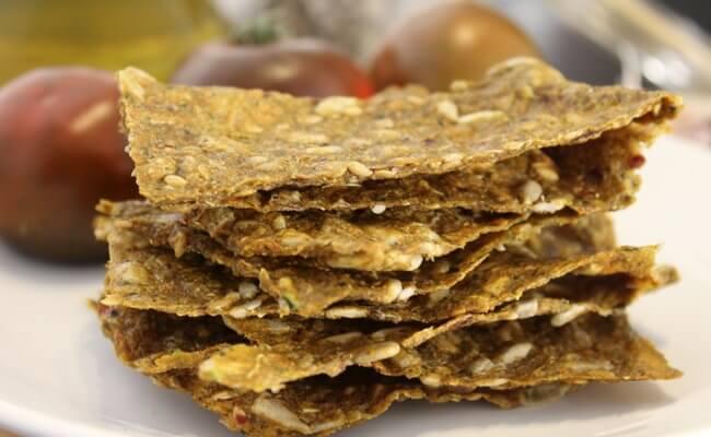 crackers raw de verduras hechos con deshidratador de alimentos, notas naturales