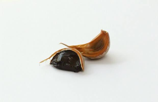 El ajo negro, cómo consumirlo y sus beneficios