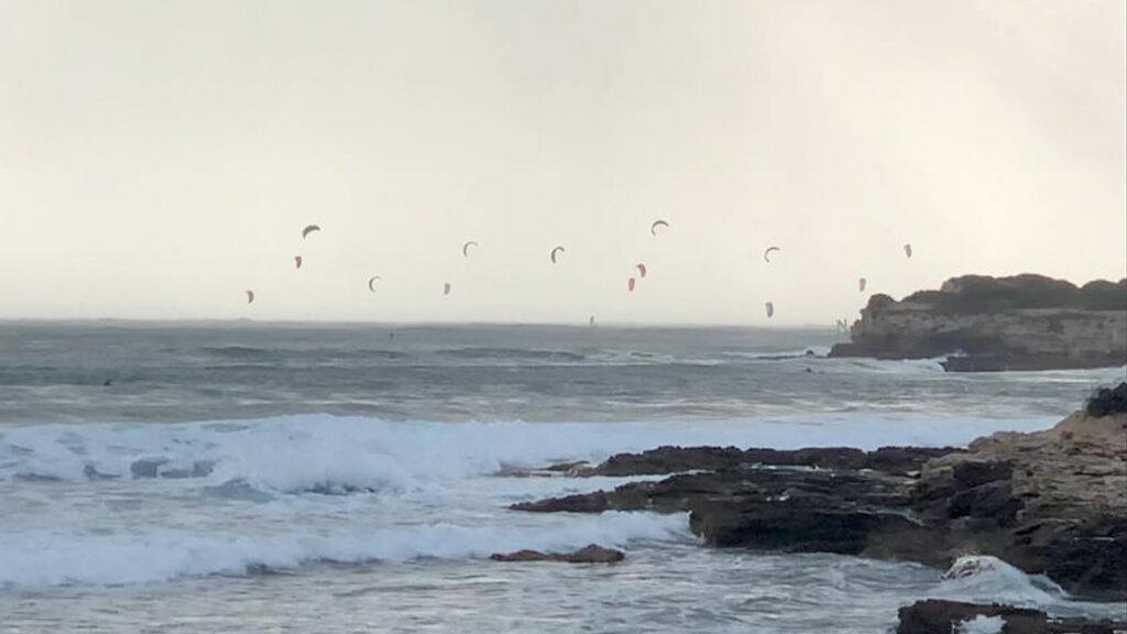 Velas de kite surf en capo mannu, Cerdeña