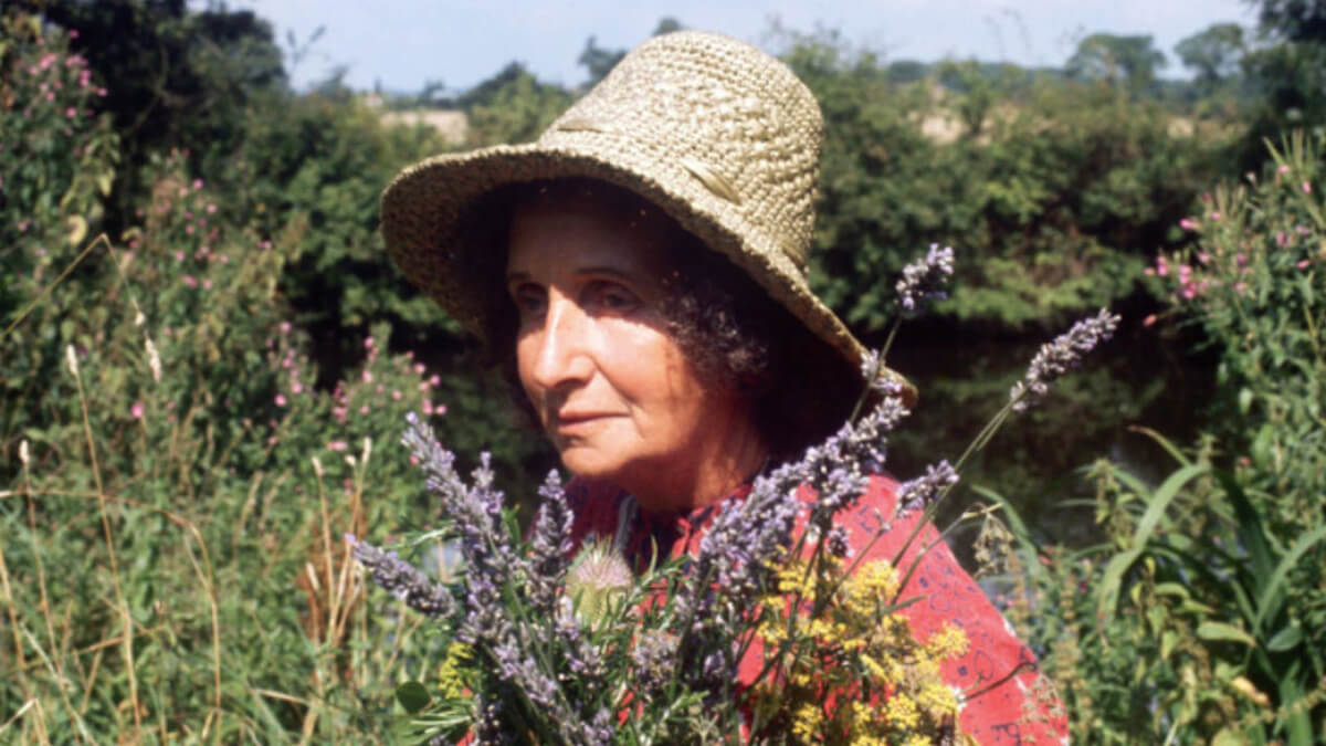 Juliette de Baïracli Levy, fotograma del documental Juliette of the herbs