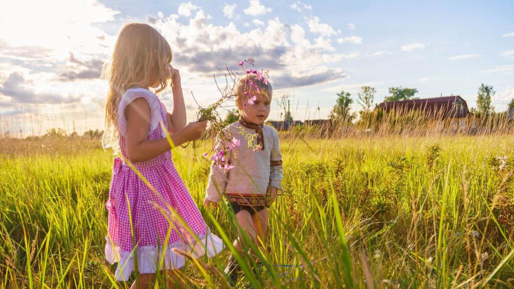 imagenes de niños observando la naturaleza